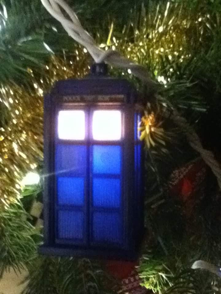- Tardis Christmas Lights Doctor Who Amino